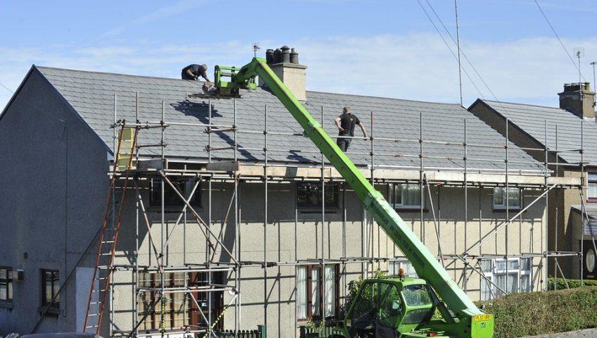 Reparer-toiture-apres-hiver